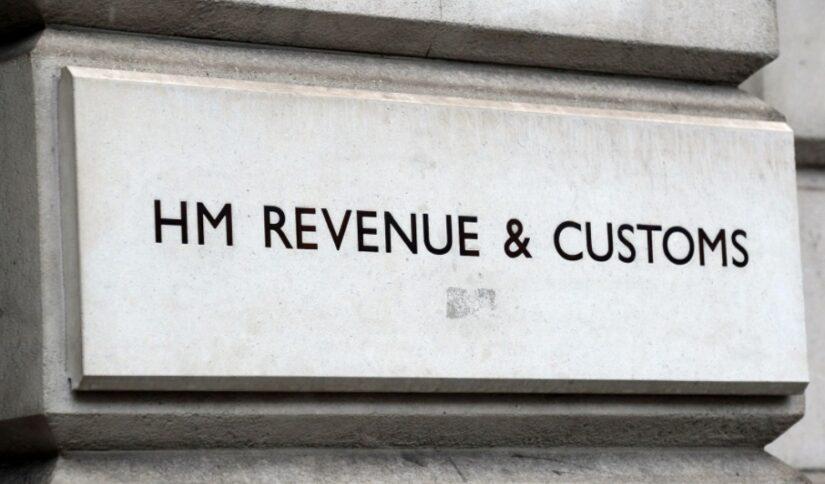 Hasta £ 3.5 mil millones en dinero de licencia podrían haberse pagado incorrectamente