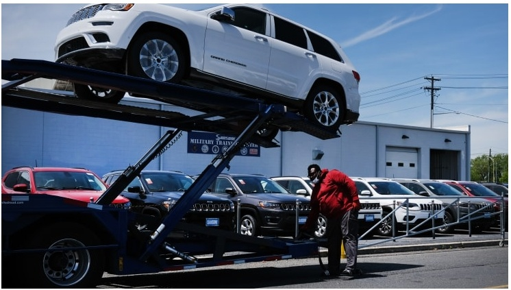 GM y Fiat Chrysler se estancan en ventas de automóviles en EE. UU. En el segundo trimestre debido a que el coronavirus mina la demanda